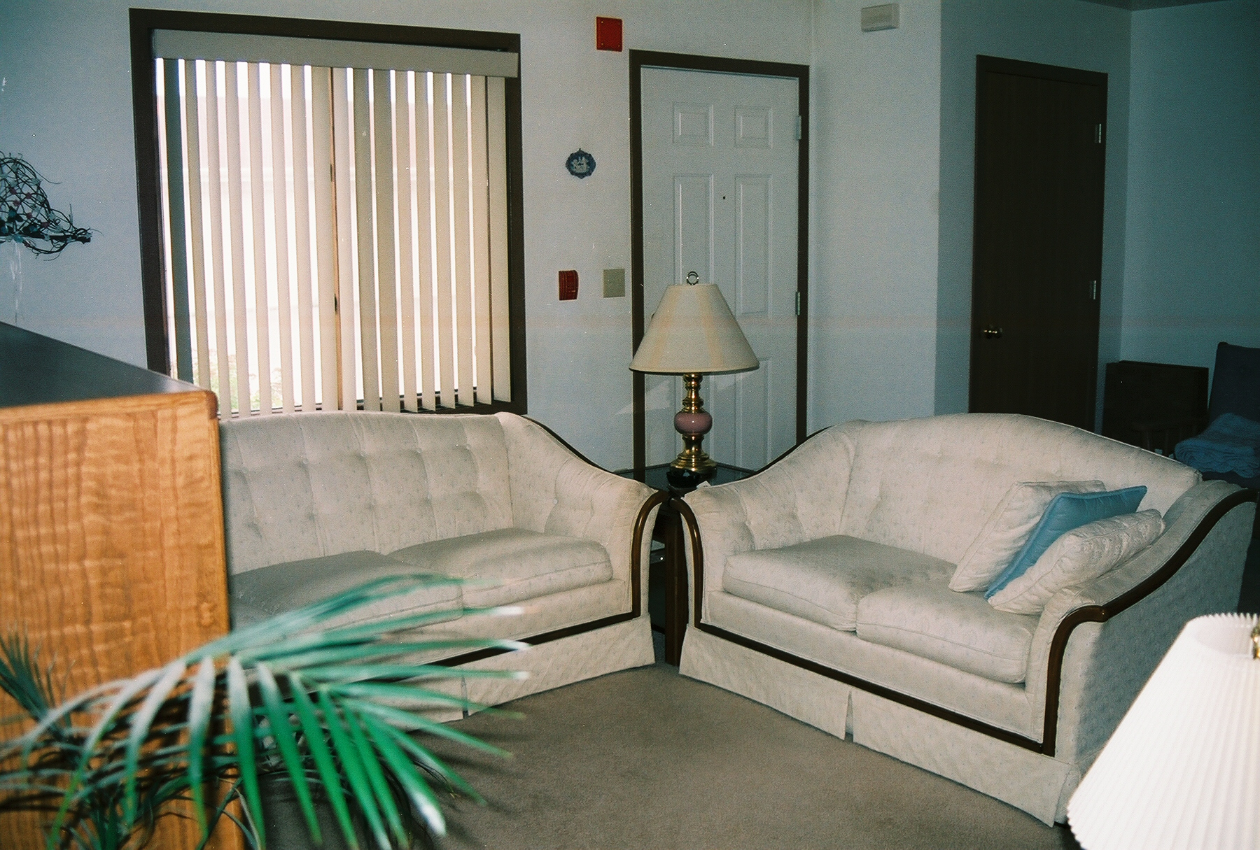 4-Std-Living Room2-WithFurniture